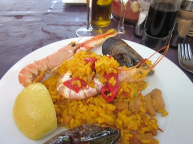 barceloneta-beach-paella